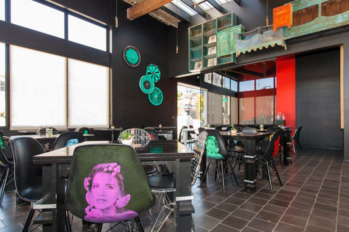 "<a href=""http://sf.eater.com/archives/2013/09/03/la_urbana_mexican_splendor_on_divis.php"">La Urbana, SF</a>"