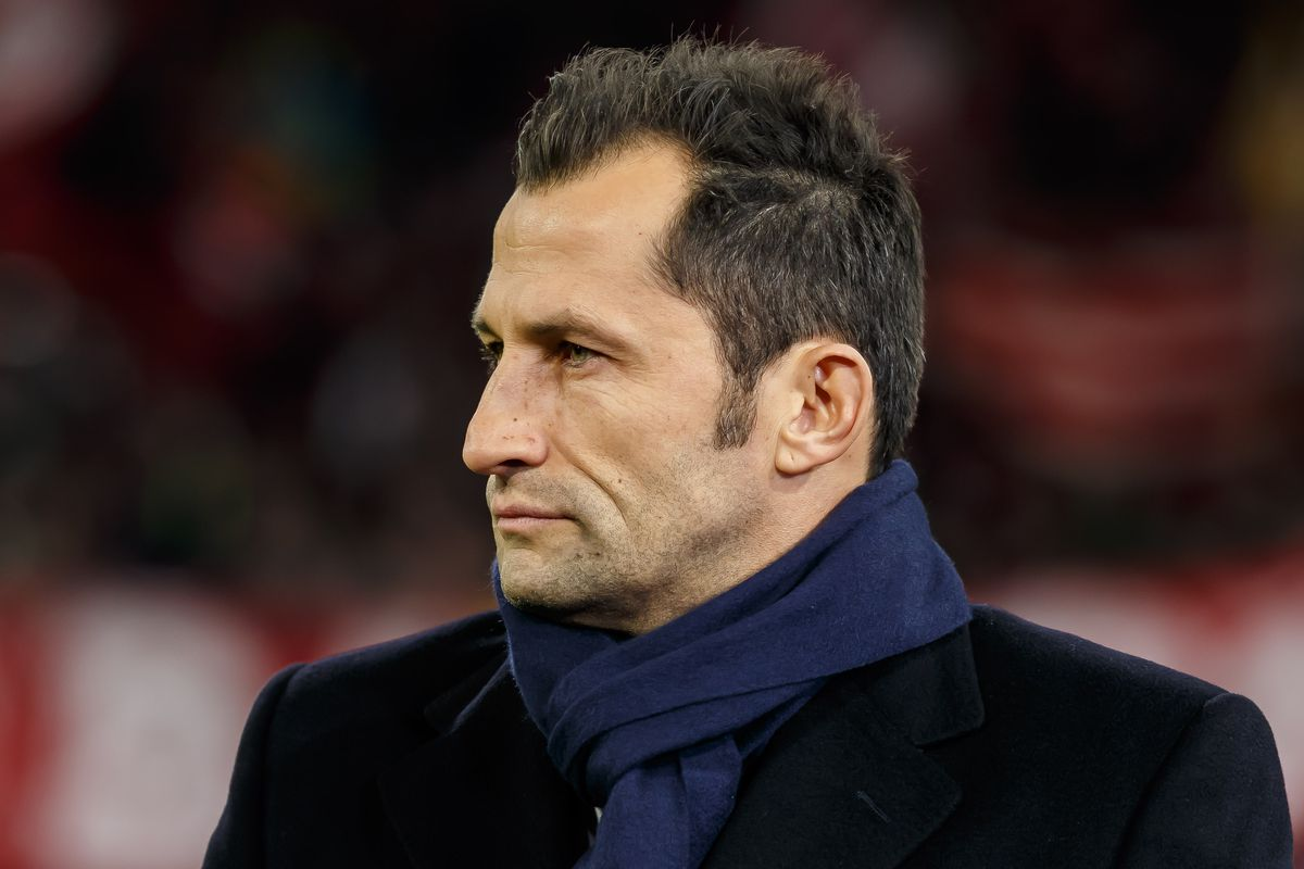 MUNICH, GERMANY - MARCH 13: sporting director Hasan Salihamidzic of Bayern Muenchen looks on prior to the UEFA Champions League Round of 16 Second Leg match between FC Bayern Muenchen and Liverpool at Allianz Arena on March 13, 2019 in Munich, Germany.