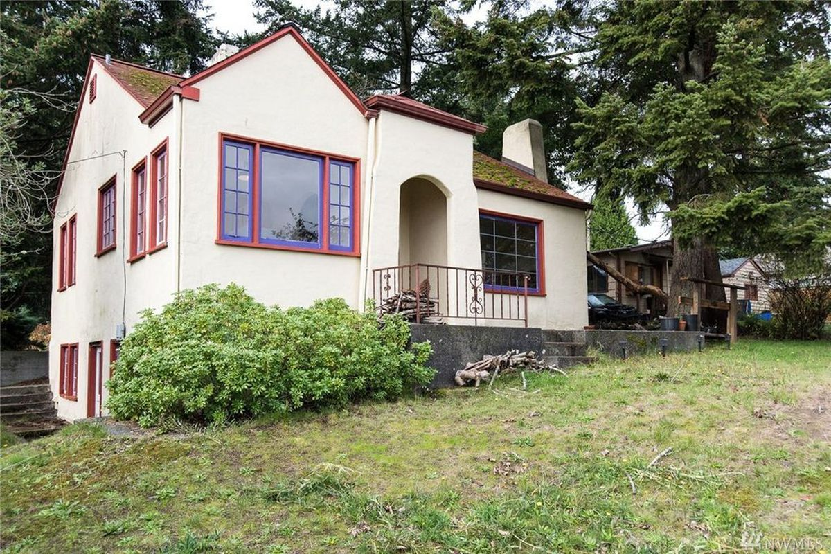 Tiny Home Designs: Cute Little Bremerton House Lists At $175K
