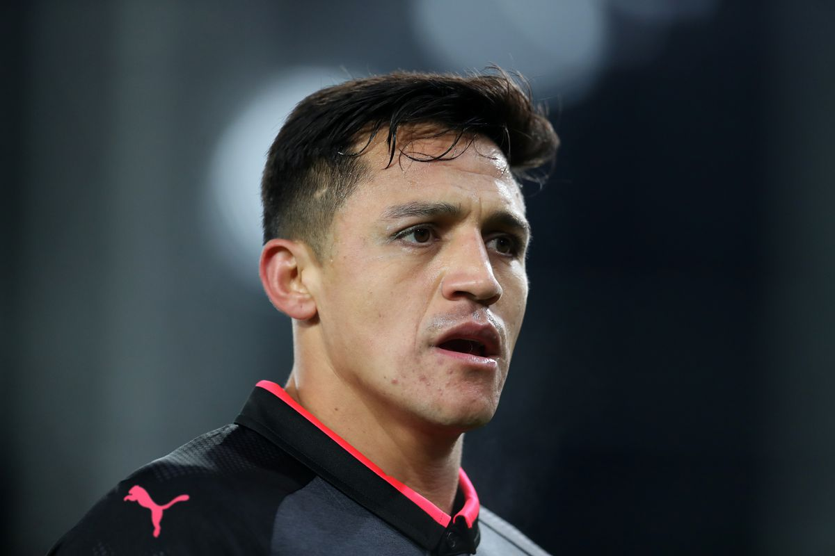 Arsenal's Alexis Sanchez airport 'spot' sends internet into meltdown