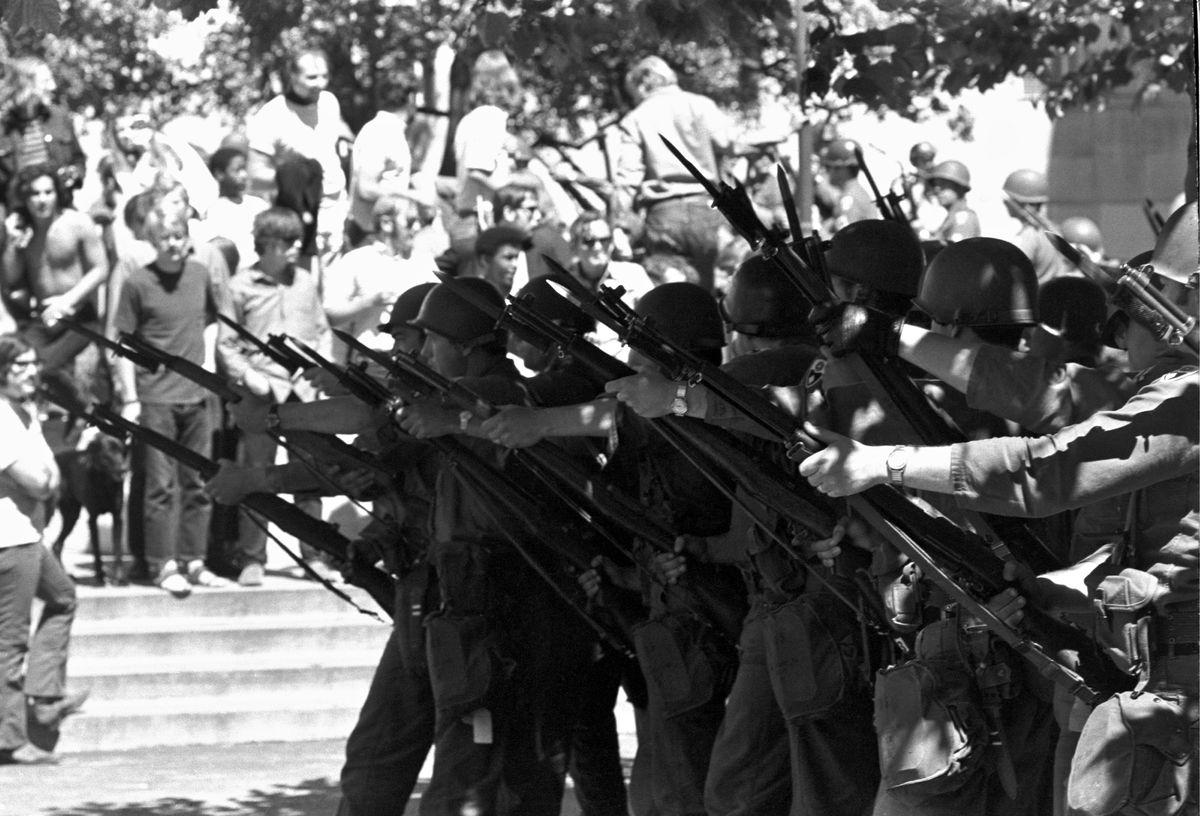 National Guardsmen in Berkeley in 1969. (Garth Eliassen/Getty Images)