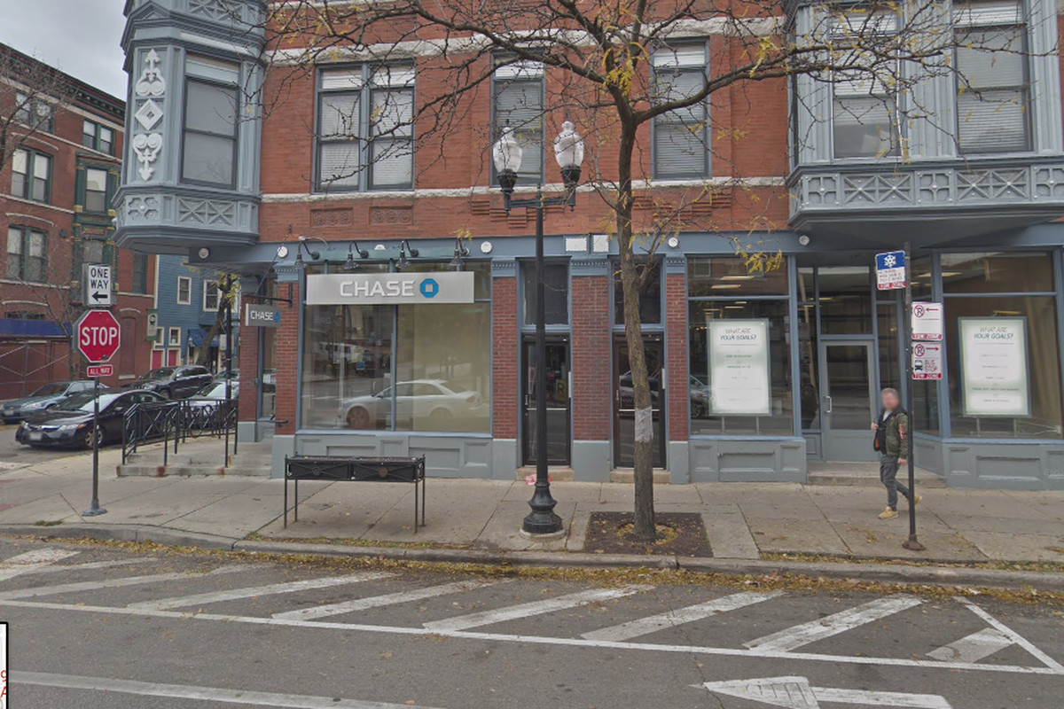 A Chase Bank was robbed in Lincoln Park