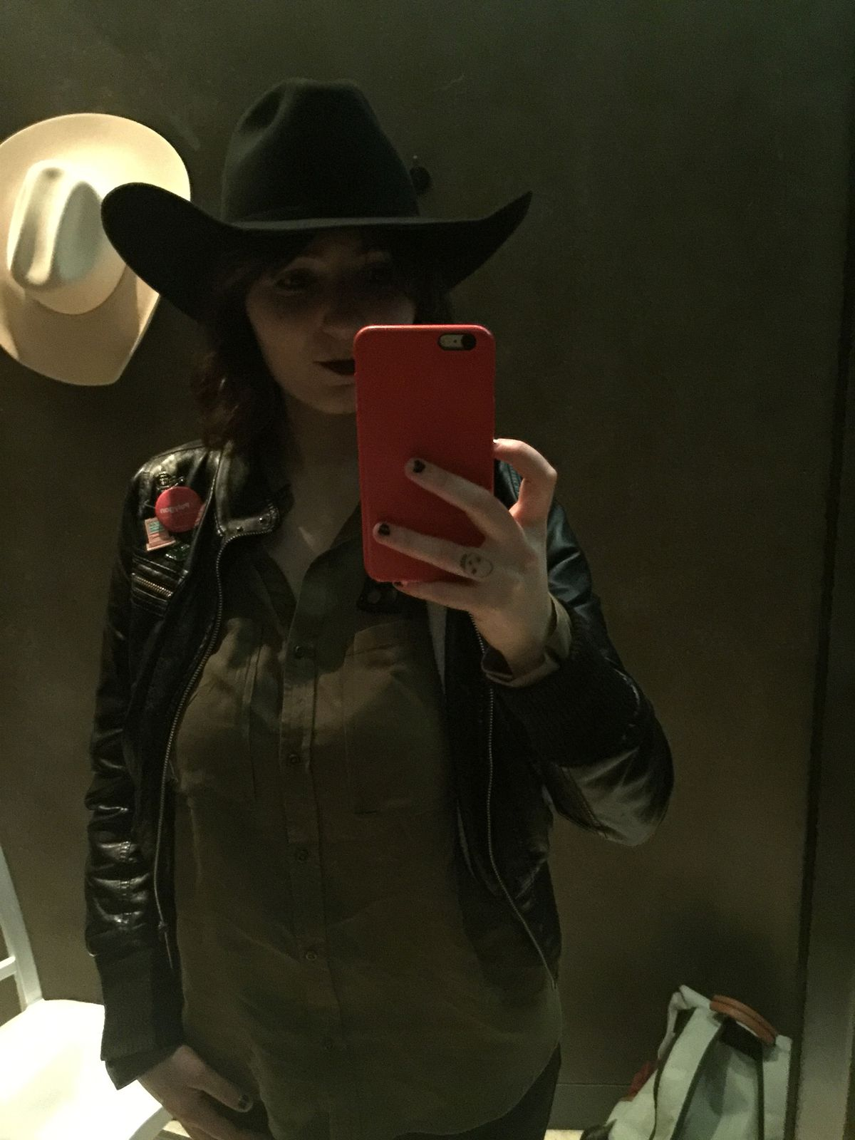 Westworld: The Experience - Julia in a black hat