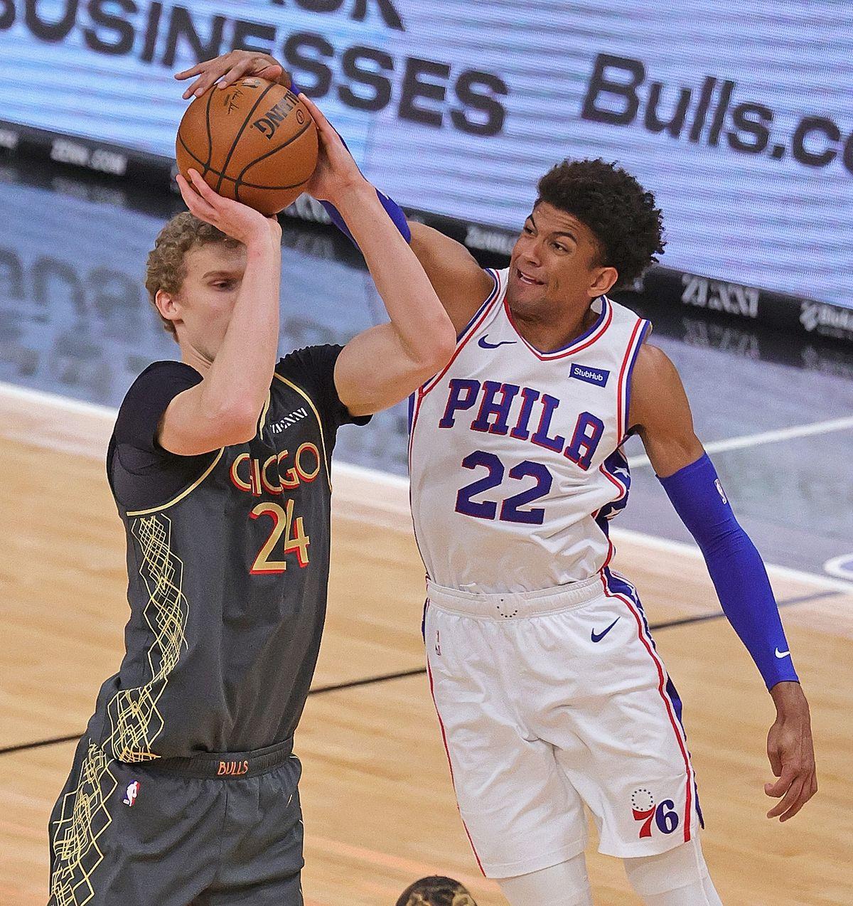 Philadelphia 76ers meet Chicago Bulls