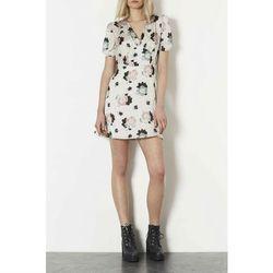 "<a href=""http://us.topshop.com/en/tsus/product/clothing-70483/dresses-70497/satin-floral-tea-dress-2497185?bi=1&ps=200"">Satin Floral Tea Dress</a>, $100 <br></br> <b>Topshop:</b> This is a good stop if you don't fear florals or other big prints."