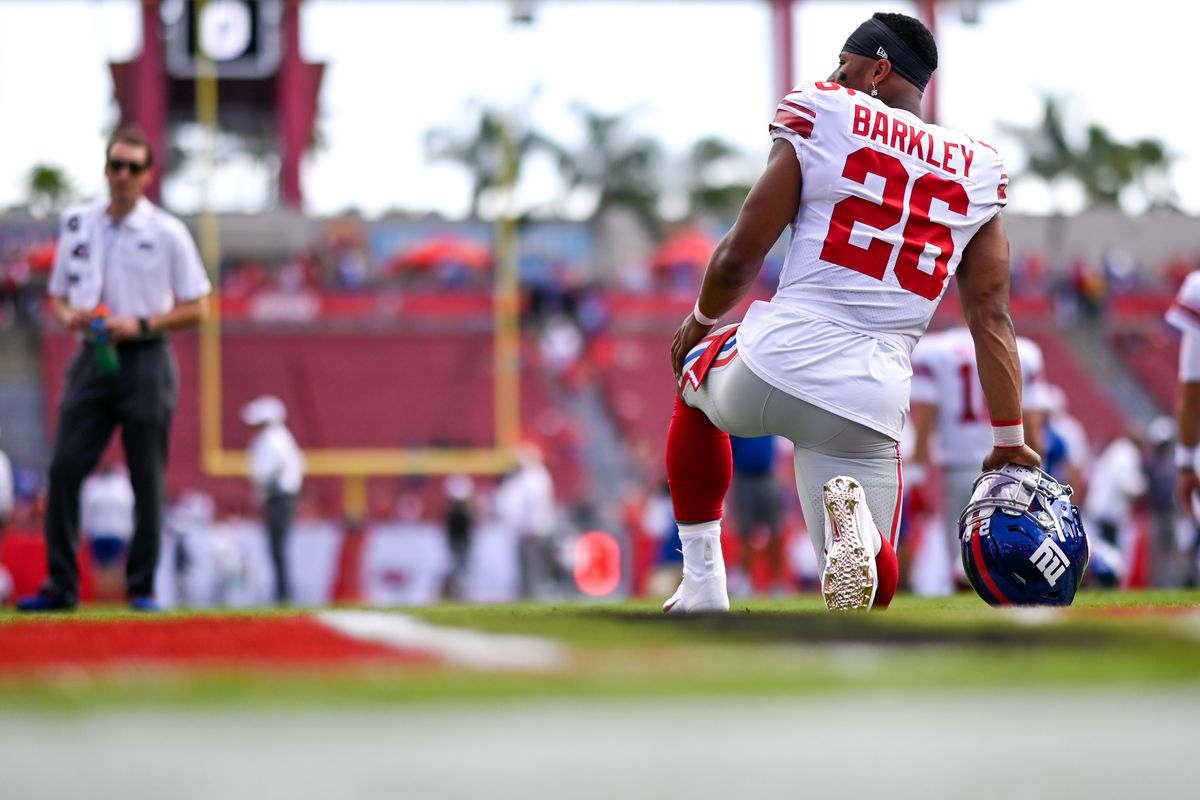 New York Giants running back Saquon Barkley warms up prior to the game between the Tampa Bay Buccaneers and the New York Giants at Raymond James Stadium.