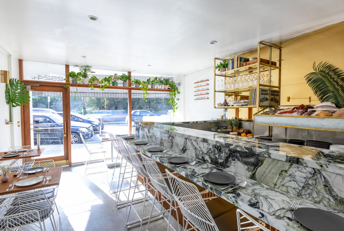 South Barrington Dining Room Project: Silver Lake's New Ceviche Restaurant Puts Raw Fish On Pure