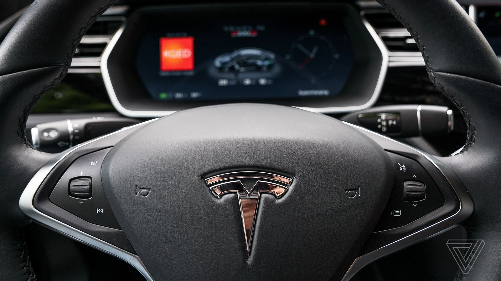 Tesla confirms it's in talks to build a factory in China ...
