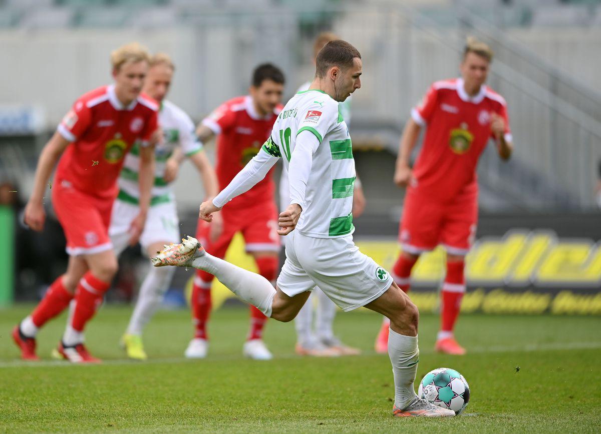 SpVgg Greuther Fürth v Fortuna Düsseldorf - Second Bundesliga