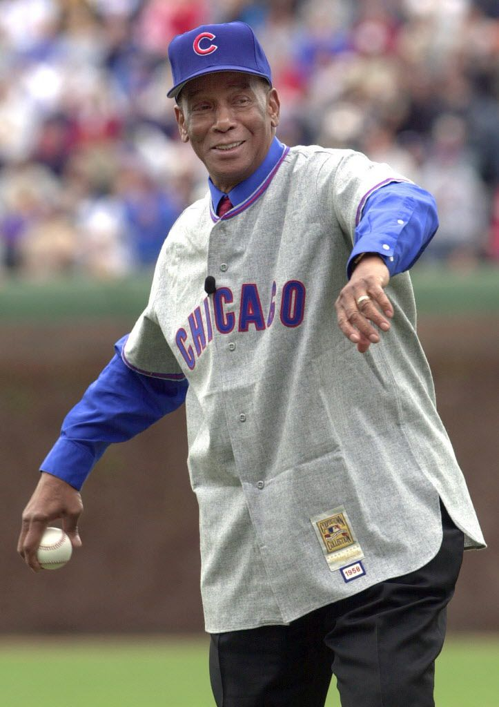 -Ernie Banks throws out the first pitch April 25, 2004.   Sun-Times library