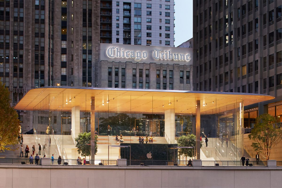 New Michigan Avenue Apple Store Opens Friday