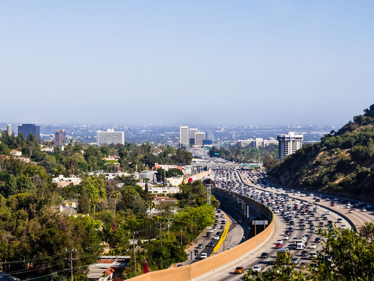 A northbound carpool lane was added to the 405 freeway in 2014.