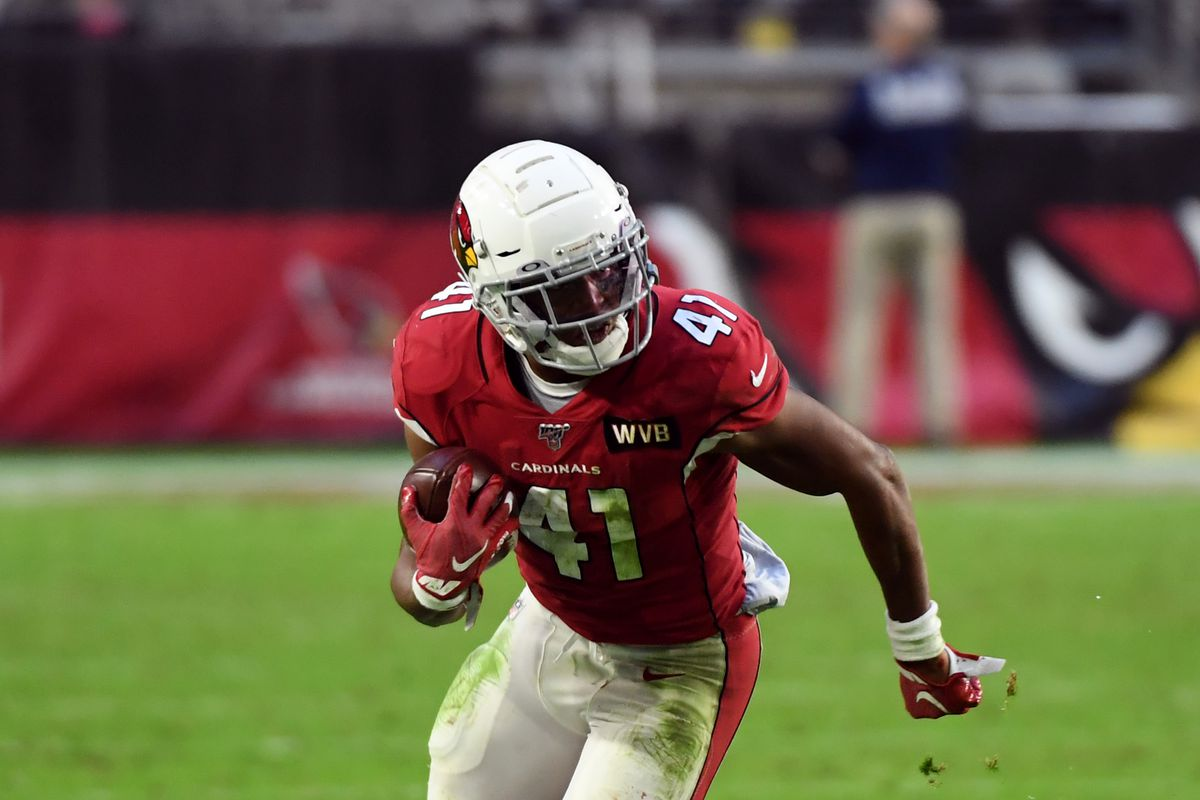 Kenyan Drake of the Arizona Cardinals runs with the ball against the Cleveland Browns at State Farm Stadium on December 15, 2019 in Glendale, Arizona.