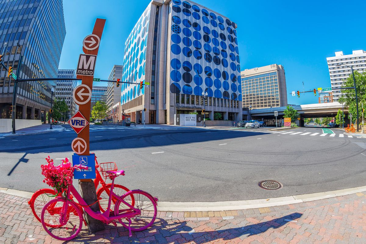 Washington Dc Homes Neighborhoods Architecture And Real Estate Wiring A Two Way Light Rose Five Facts About Crystal City Where Amazon Is Reportedly Putting Hq2