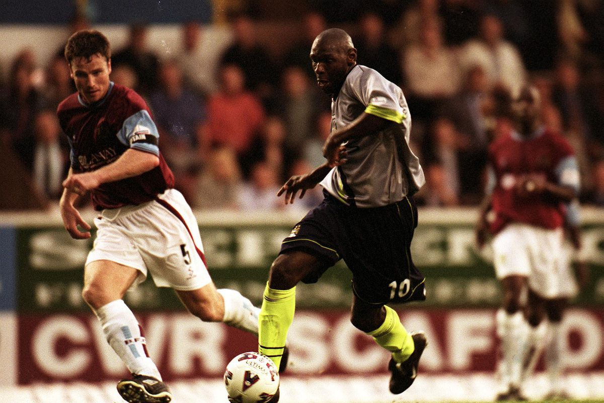 Soccer - Nationwide League Division One - Burnley v Manchester City