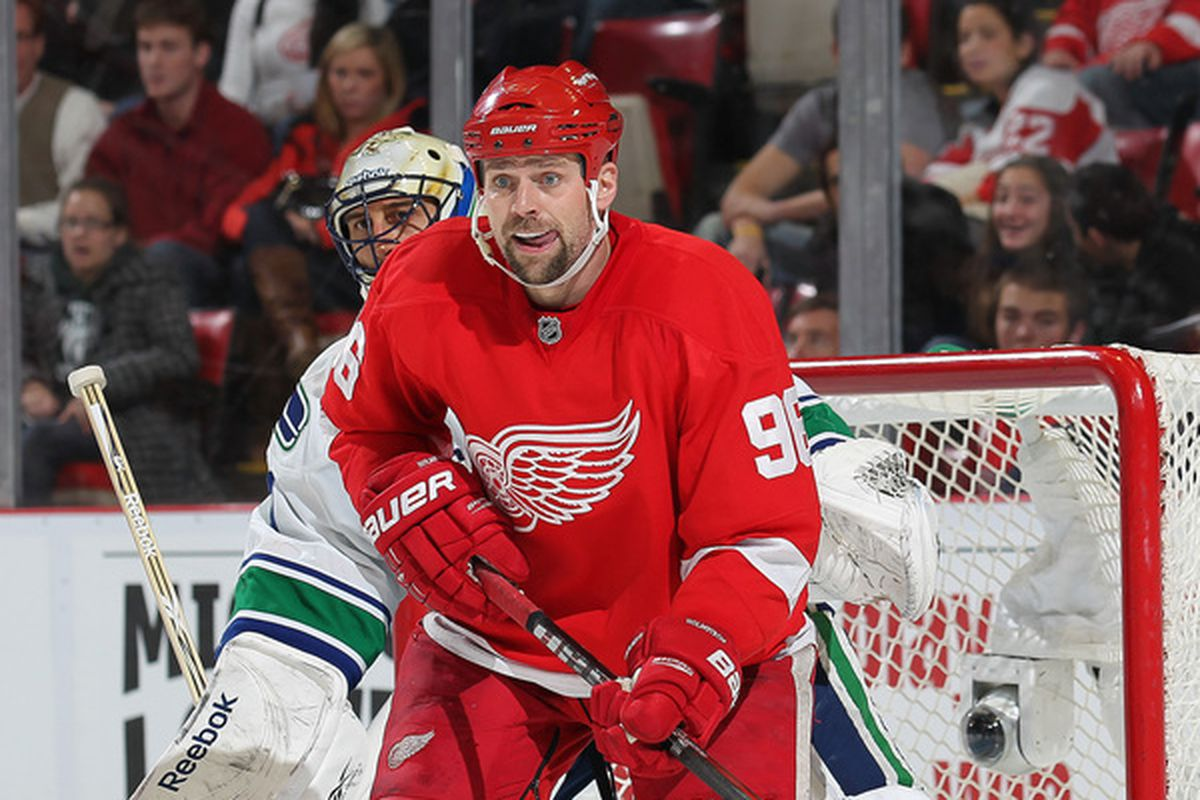 Guess which goalie won't have to peer around Tomas The Big Red Douche anymore?