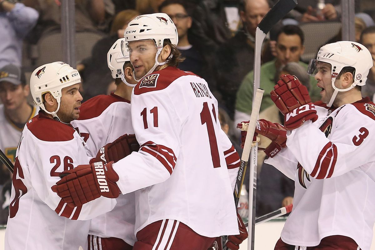 Hanzal scored again tonight (twice) even if we don't have pictures except from the opening night loss.