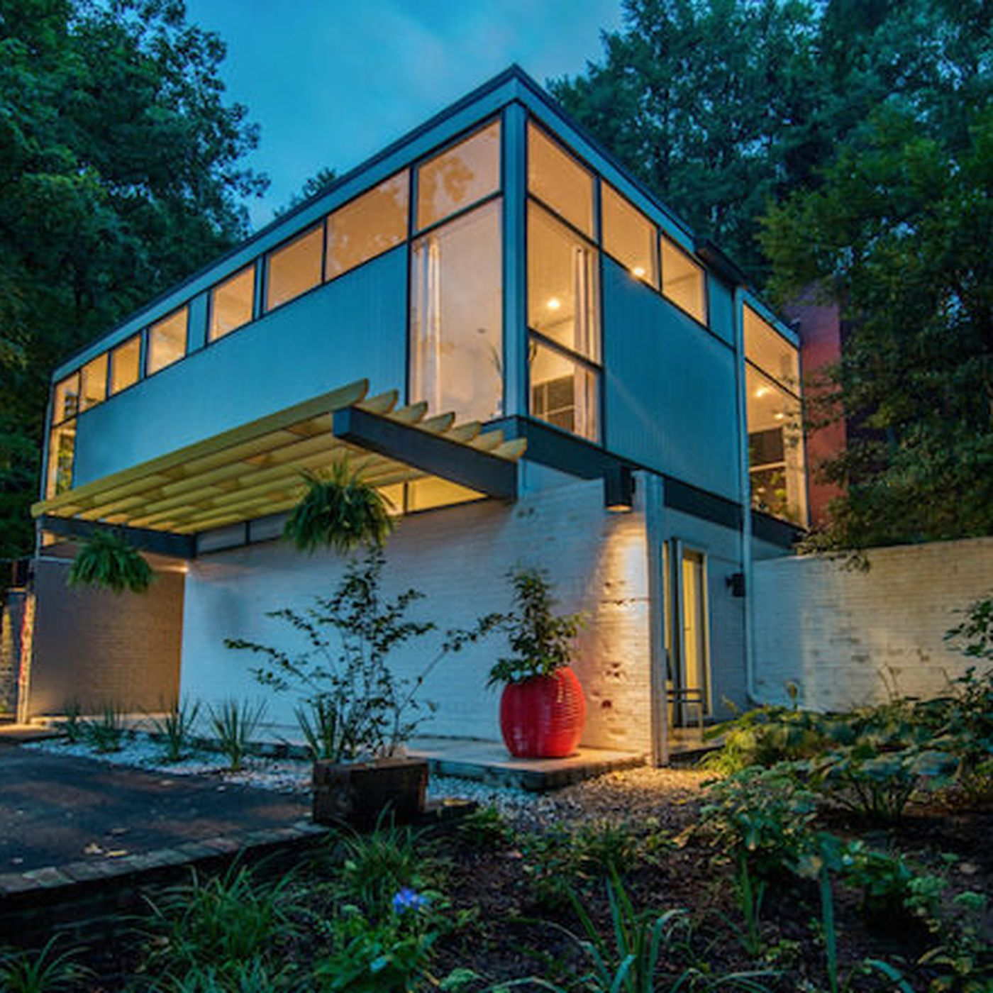 Renovated Bauhaus-Style Gem in Washington D.C. Asks $1.9M - Curbed