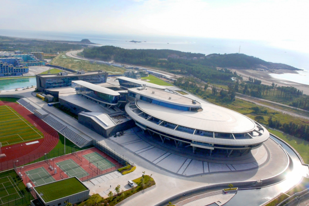 chinese tech exec spends 100m to create star trek inspired offices