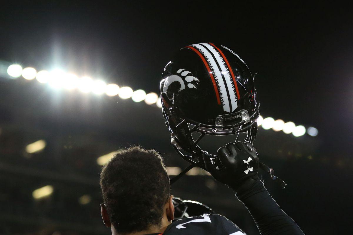 NCAA Football: Tulsa at Cincinnati