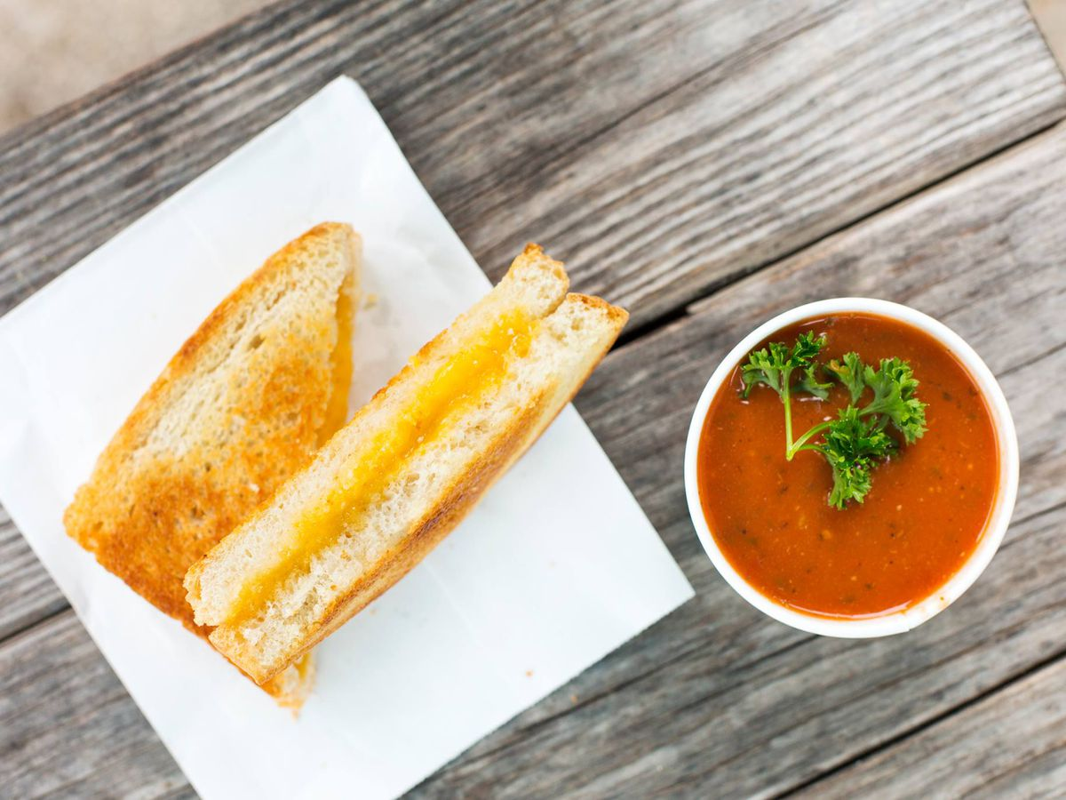 Soup and grilled cheese at Soup Peddler