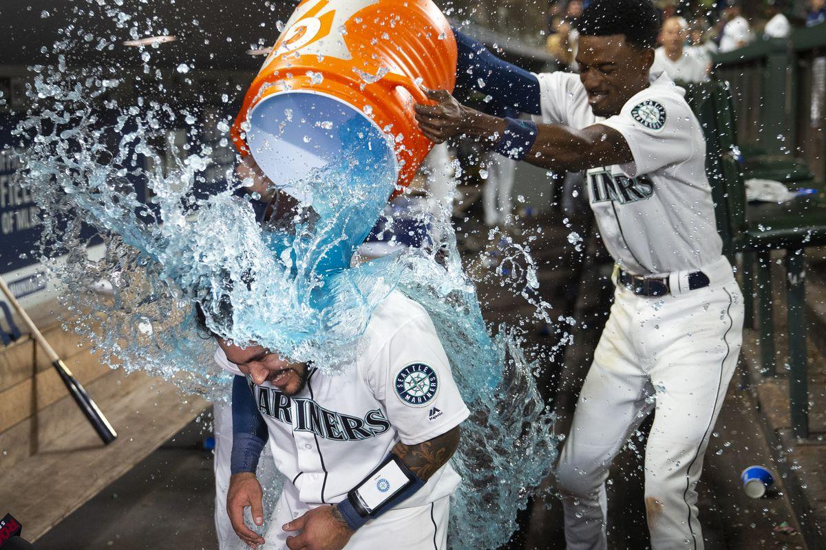 Ichiro and Félix treat Mariners to a night of nostalgia