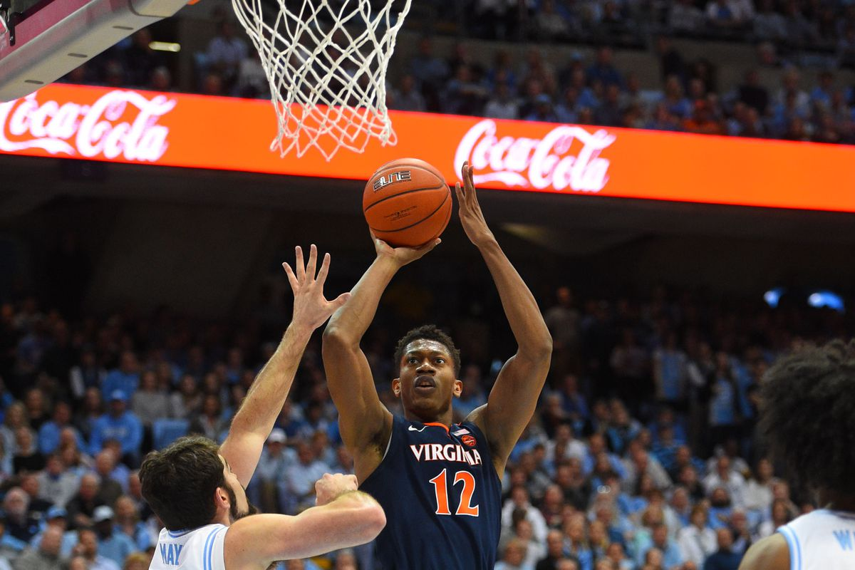 4dbff019f3 NCAA Basketball  No. 4 Virginia takes down No. 8 UNC on the road -  Streaking The Lawn