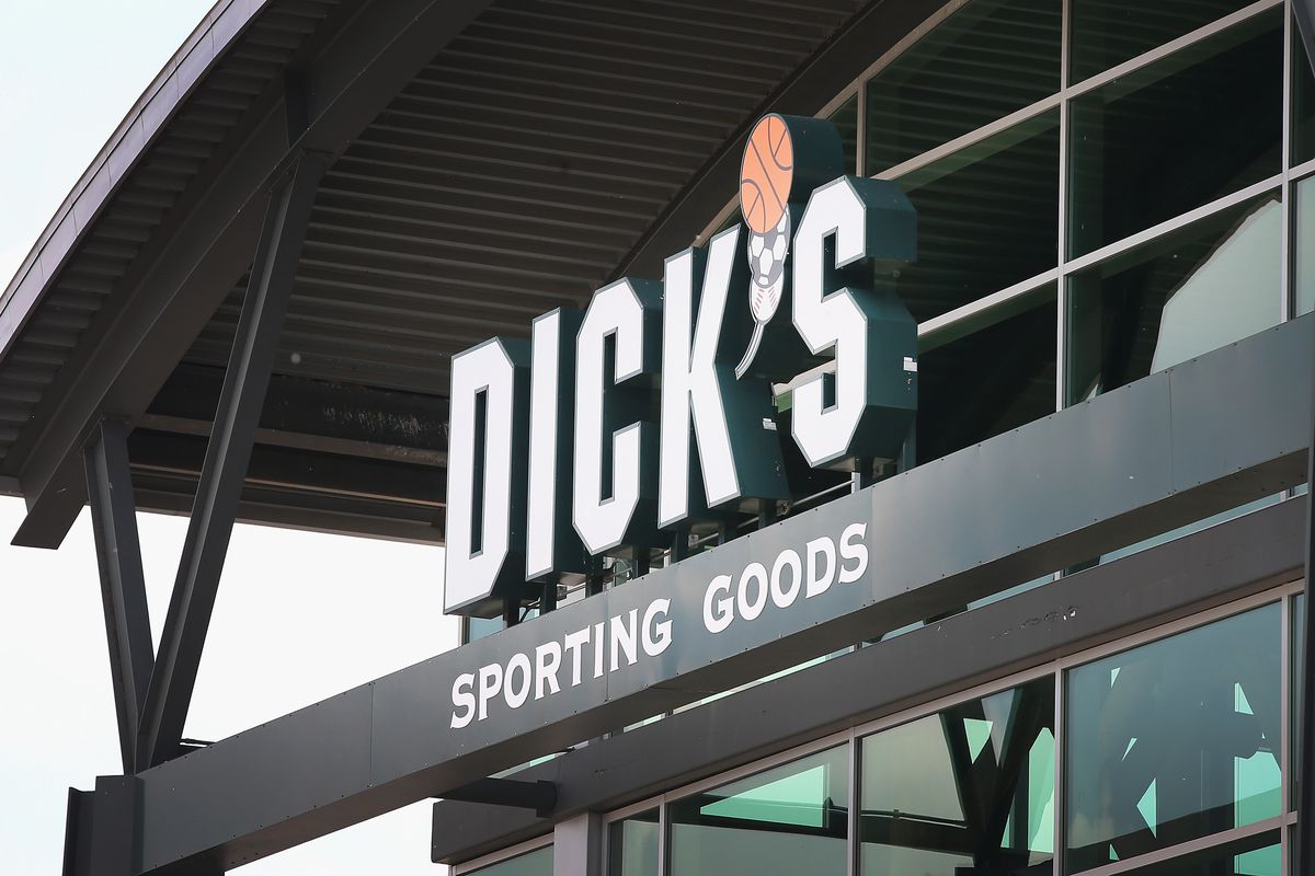 Retail Sector Slumps As Staples And Dick's Sporting Goods Report Earnings Drops