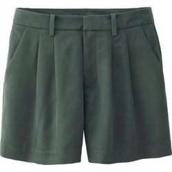 """<b>Uniqlo</b> Pleated Shorts in Green, <a href=""""http://www.uniqlo.com/us/women/bottoms/shorts-and-cropped/shorts/women-pleated-shorts-088342.html#55"""">$19.90</a>"""