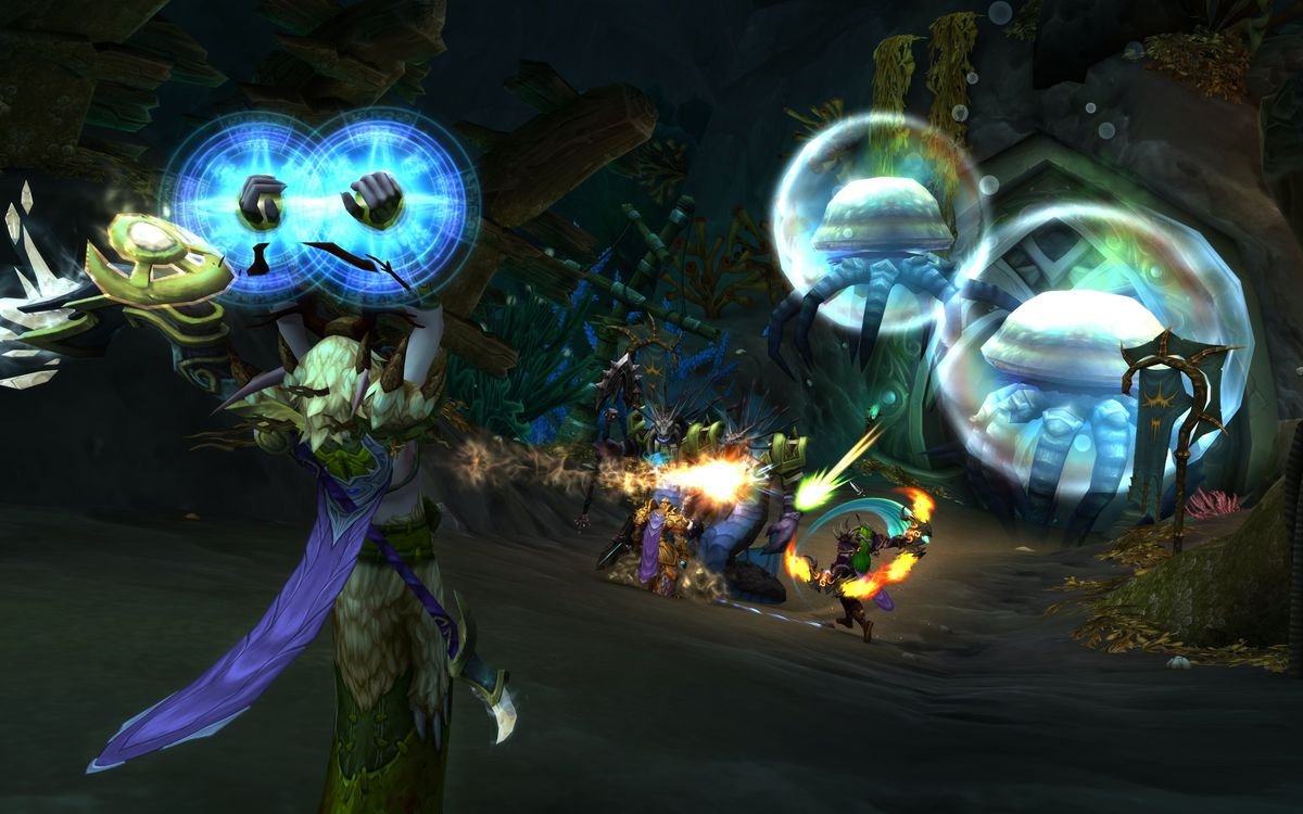 World of Warcraft players work together to clear an encounter.