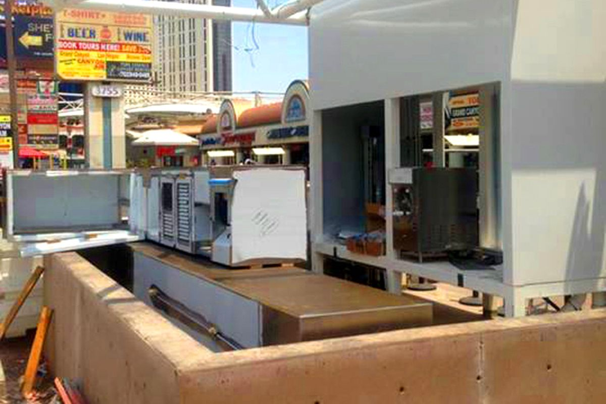 Ready To Welcome Fatburger S Las Vegas Slushie Bar