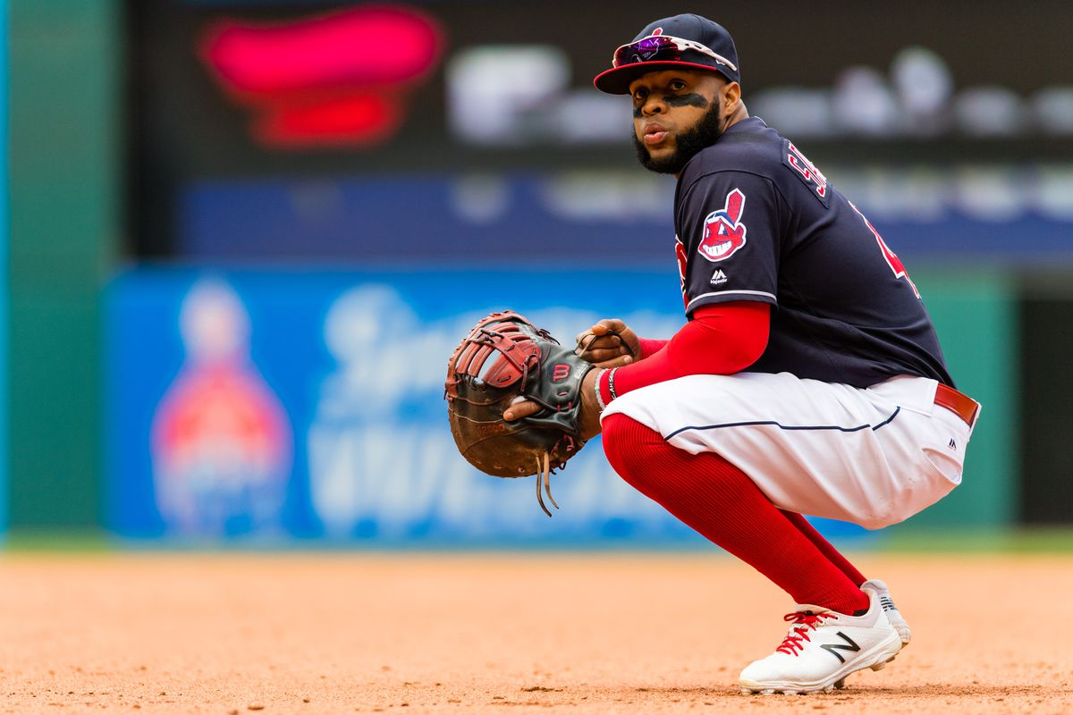 Phillies sign first baseman Carlos Santana