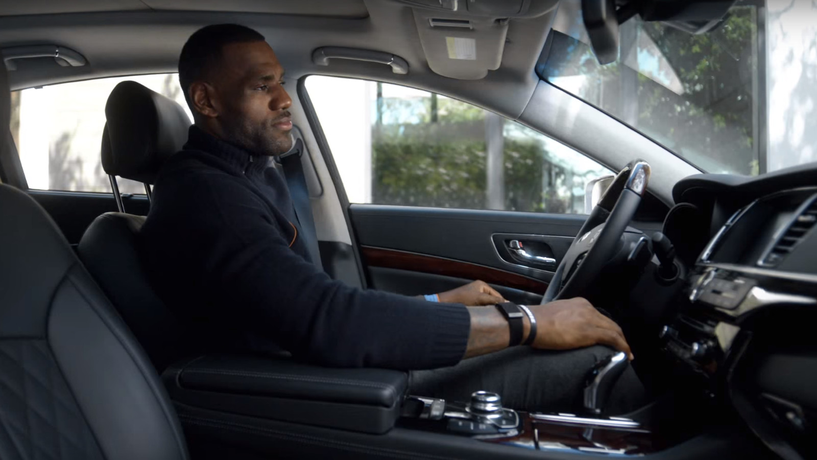 Lebron James Swears He Really Drives A Kia The Verge