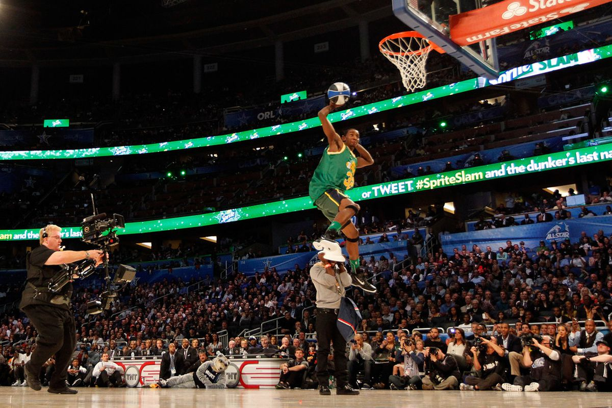 Jeremy Evans pays homage to Karl Malone in the 2012 NBA Dunk Contest