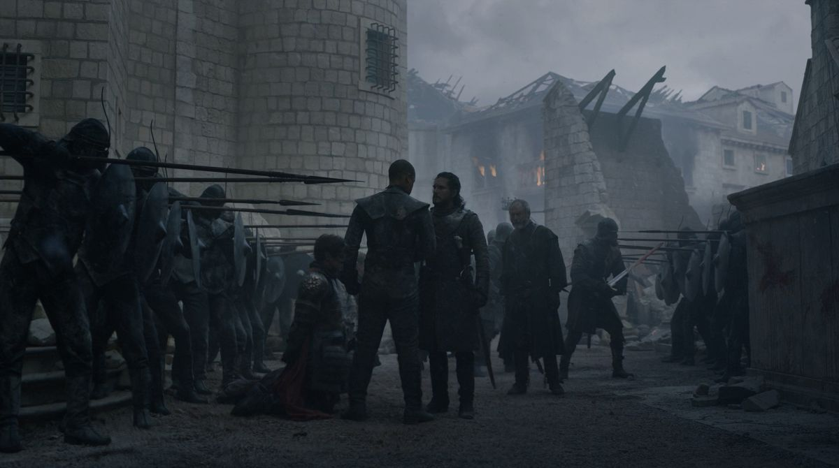 Game of Thrones S08E06 Davos, Jon, Grey Worm, and the soldiers