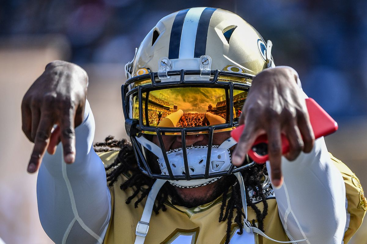 A detailed view of the reflection on the Oakley visor of Alvin Kamara #41 of the New Orleans Saints during the 2020 NFL Pro Bowl at Camping World Stadium on January 26, 2020 in Orlando, Florida.