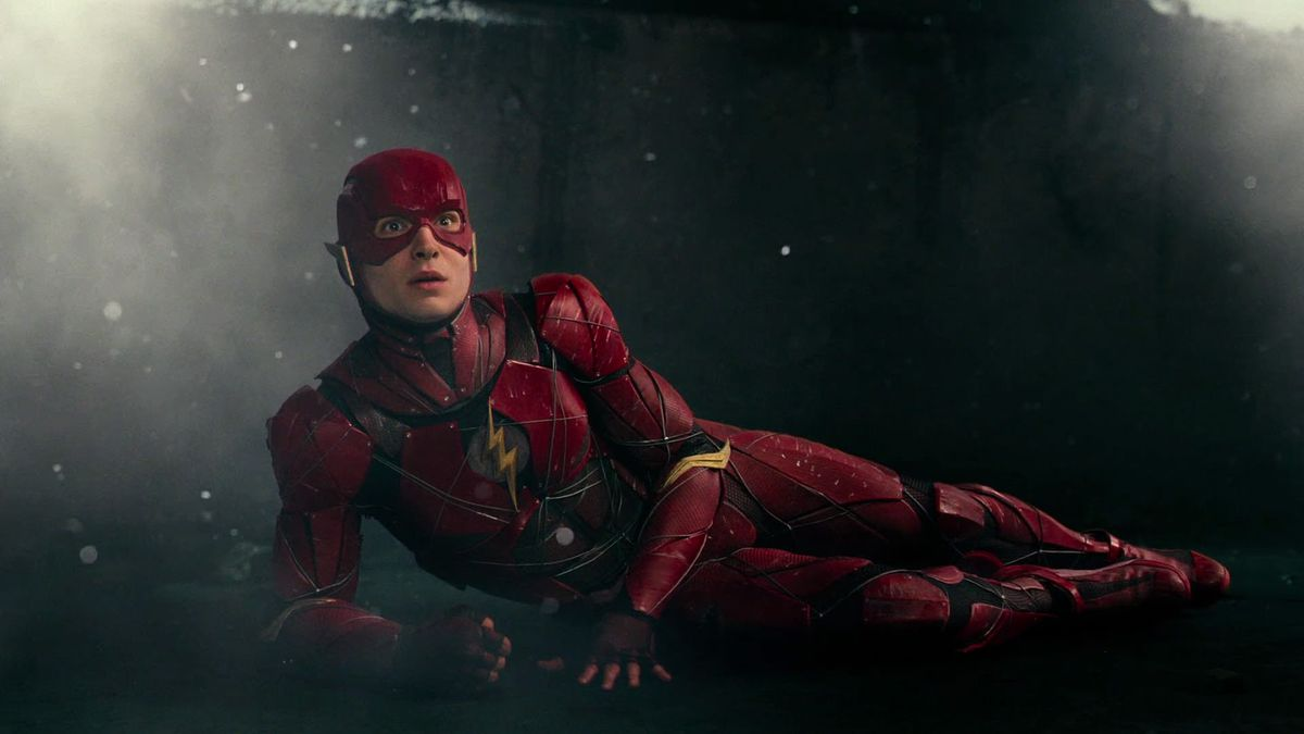 the flash lays down in justice league