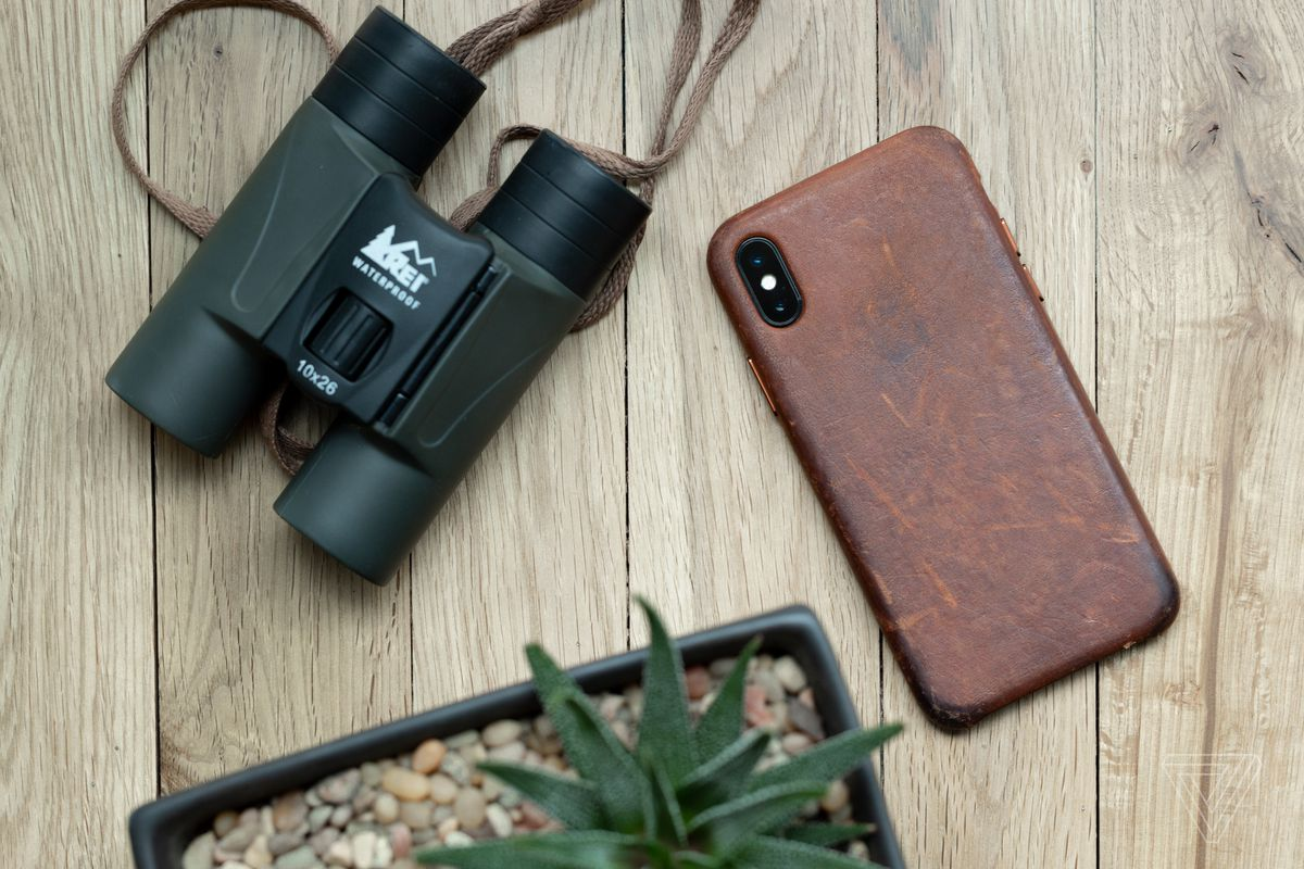 wholesale dealer 5538d f75c5 How to get a great patina on your iPhone X leather case - The Verge