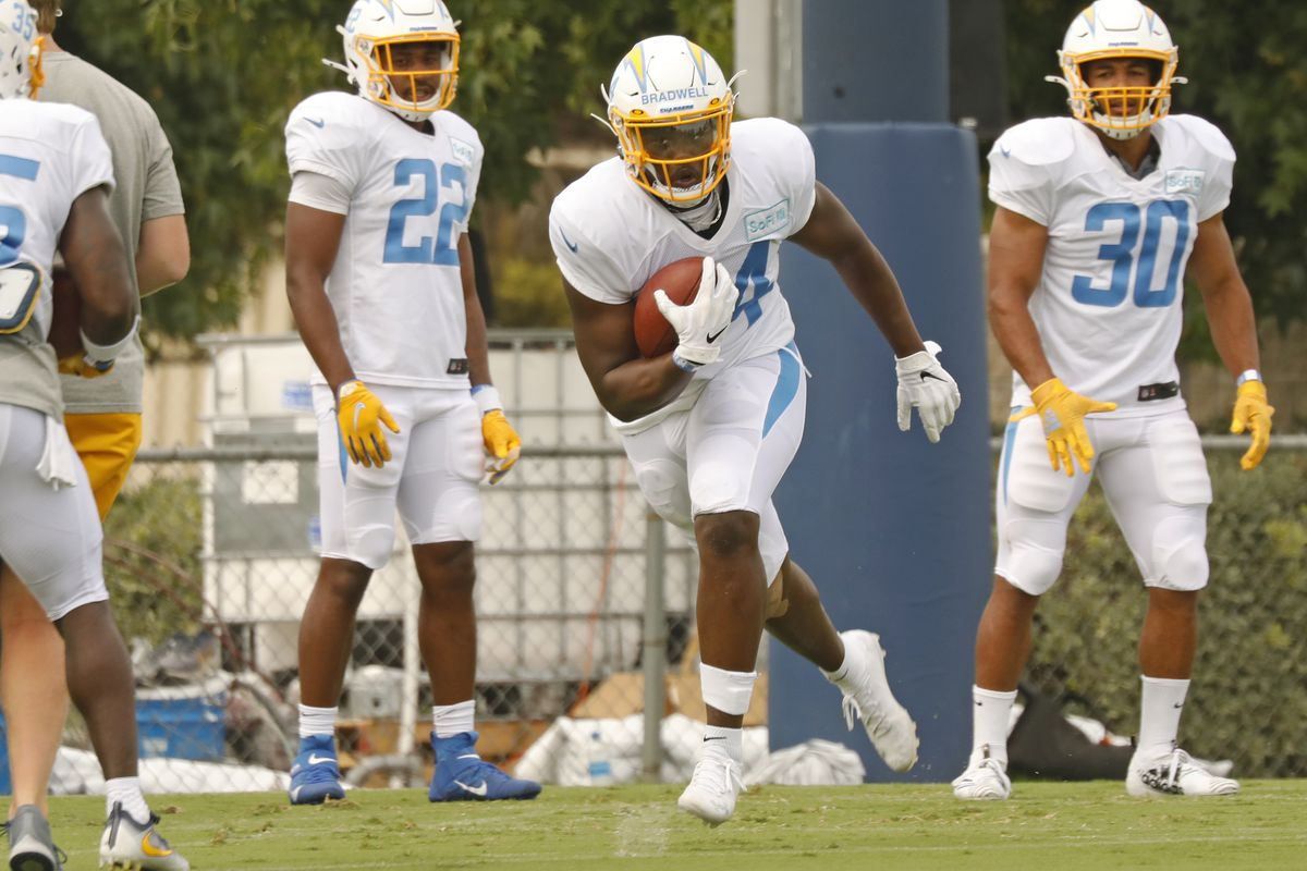 Los Angeles Chargers football team practice at the Hammett Sports Complex in Costa Mesa on Monday August 17, 2020.