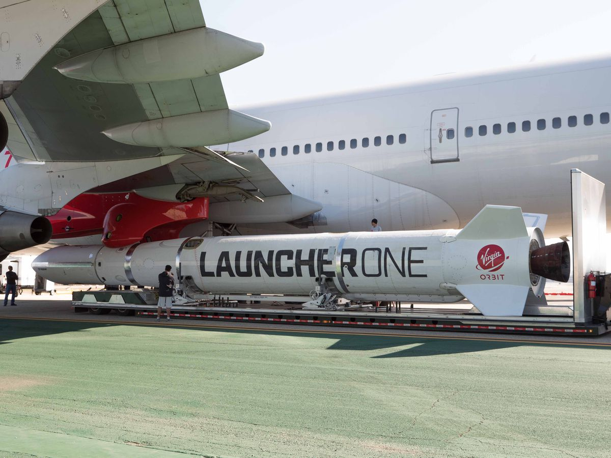rocket connecting to 747