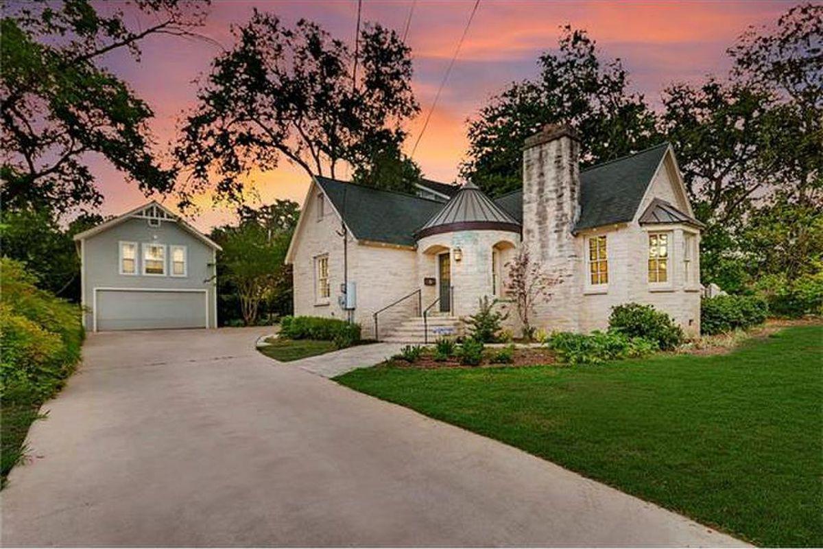 3306 Windsor Road Via Realty Austin