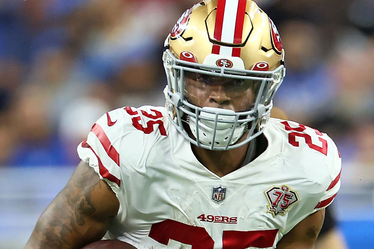 San Francisco 49ers running back Elijah Mitchell (25) carries the ball during an NFL football game between the Detroit Lions and the San Francisco 49ers in Detroit, Michigan USA, on Sunday, September 12, 2021.