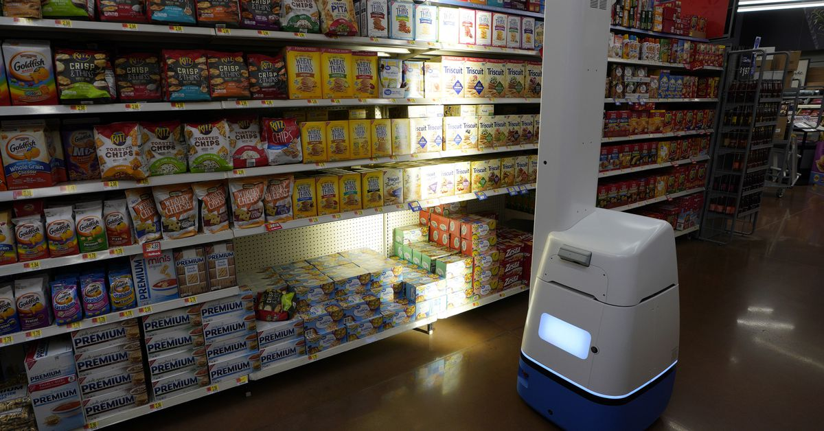 Walmart is reportedly giving up on shelf-scanning robots in favor of humans – The Verge