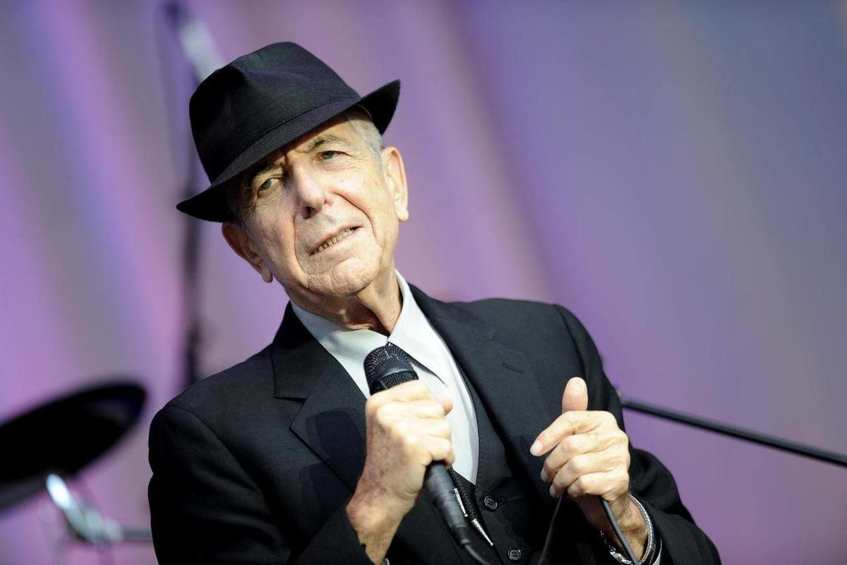 FILE - In this Aug. 18, 2010 file photo, singer Leonard Cohen performs open air at the Waldbuehne in Berlin. A Los Angeles jury convicted Cohen's former business manager Kelley Lynch of harassing the singer-songwriter by making hundreds of phone calls and