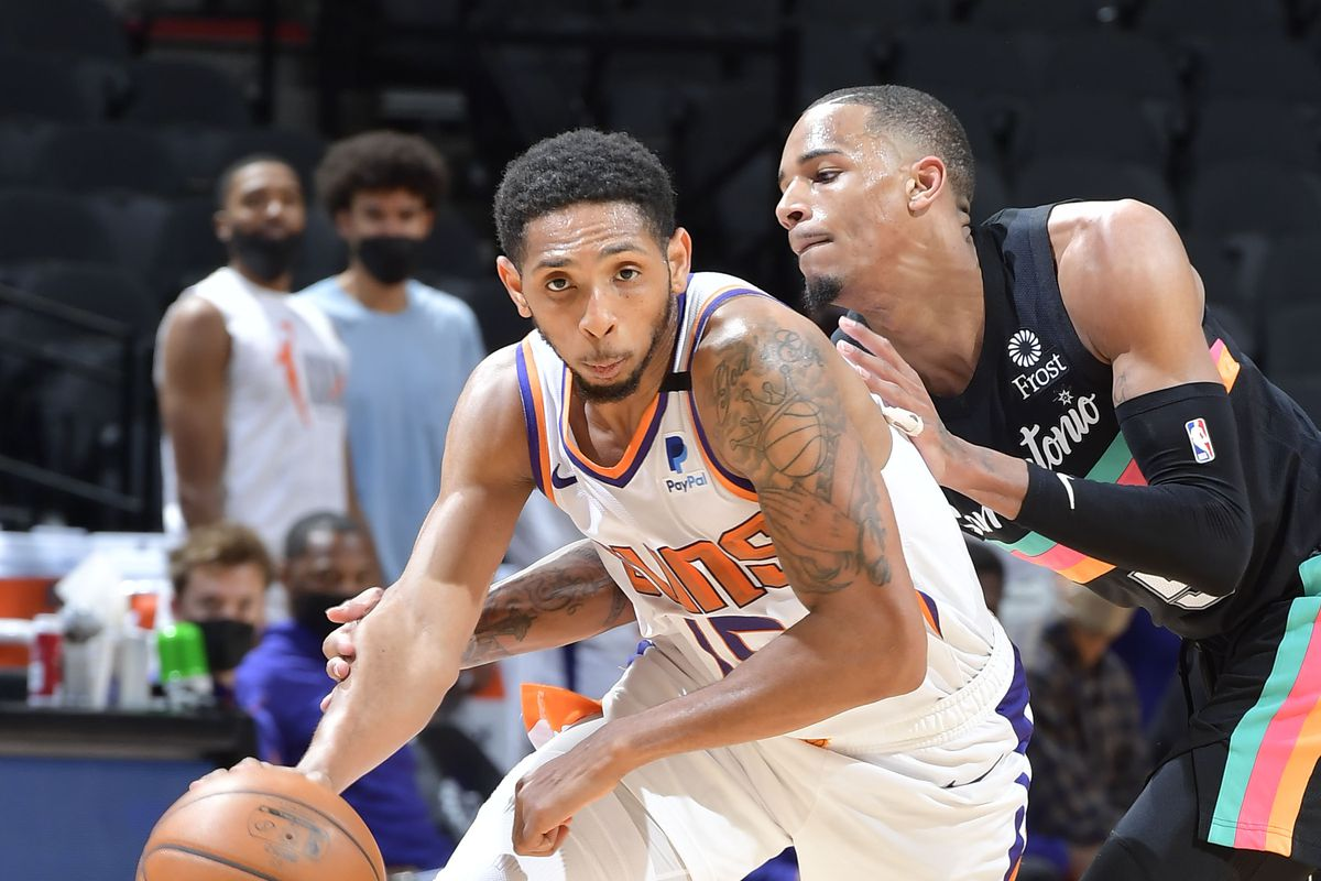 Cameron Payne #15 of the Phoenix Suns shoots the ball during the game against the San Antonio Spurs on May 16, 2021 at the AT&T Center in San Antonio, Texas.