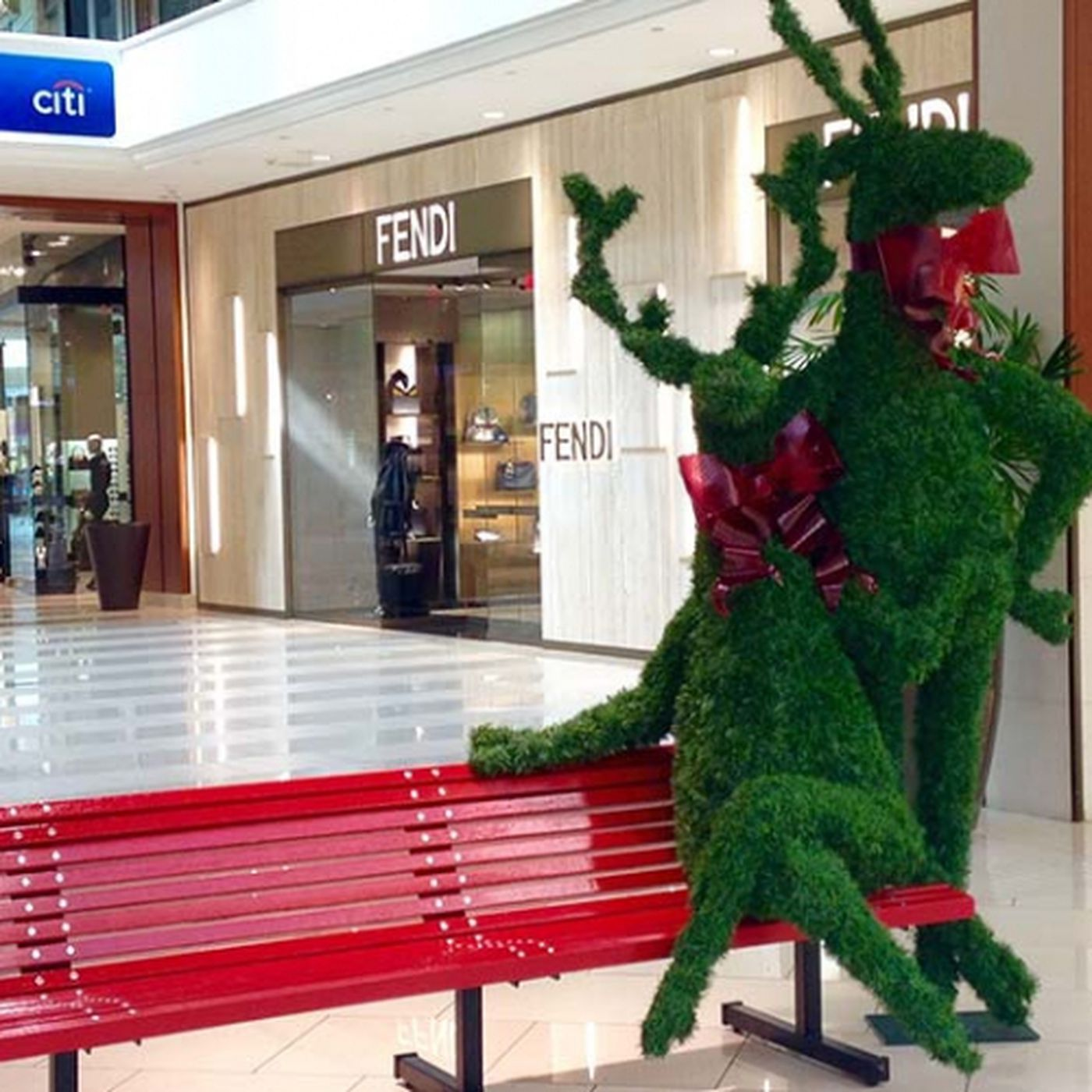 How To Conquer Miami S Malls On The Day After Christmas Racked Miami