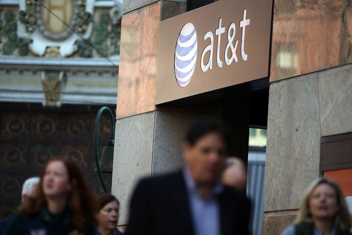 AT&T adds unlimited home internet plan to its U-verse