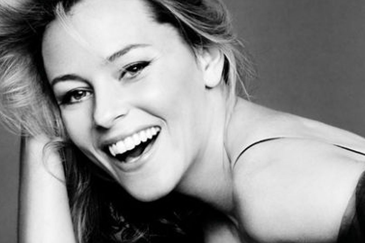"""Photo via <a href=""""http://thelistcollective.com/lists/dept/collections/elizabeth-banks-actress-producer-blogger/#"""">List Collective</a>"""