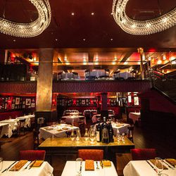 """<a href=""""http://ny.eater.com/archives/2012/10/steve_hansons_massive_strip_house_midtown_now_open.php"""">Eater Inside: Steve Hanson's Massive Strip House Midtown</a>"""