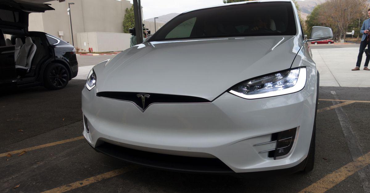 Tesla defends Autopilot after fatal Model X crash